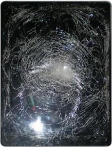 Треснувшее стекло iPad — не приговор, заменим и проблема решена.